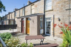 5 Fair-A-Far Cottages, Whitehouse Road, Cramond, Edinburgh EH4 6PQ