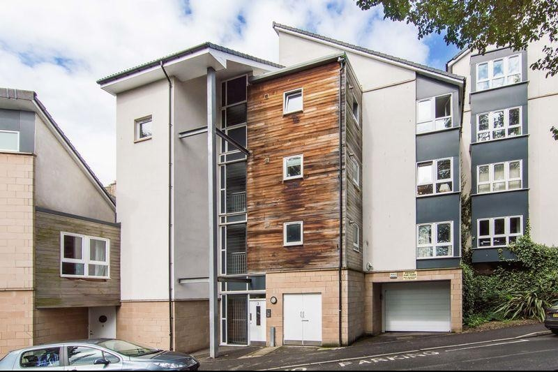 2 Bedrooms Property for sale in 3/3 Wishaw Terrace, Meadowbank, Edinburgh, EH7 6AF