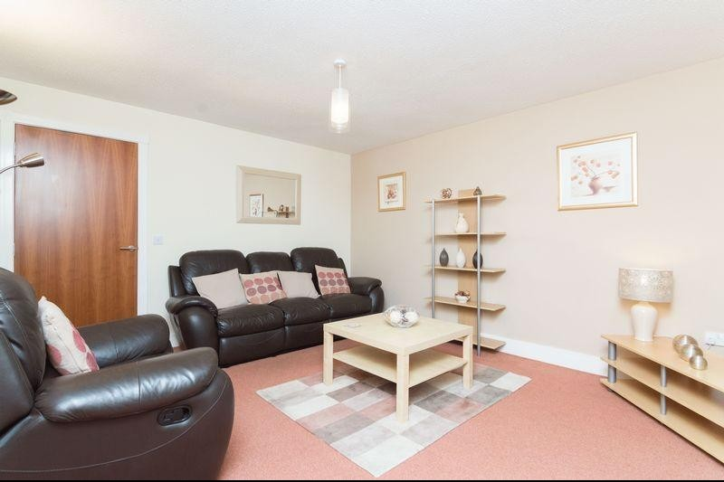 5 12 appin street slateford edinburgh eh14 1pn flat for for 12 by 14 living room