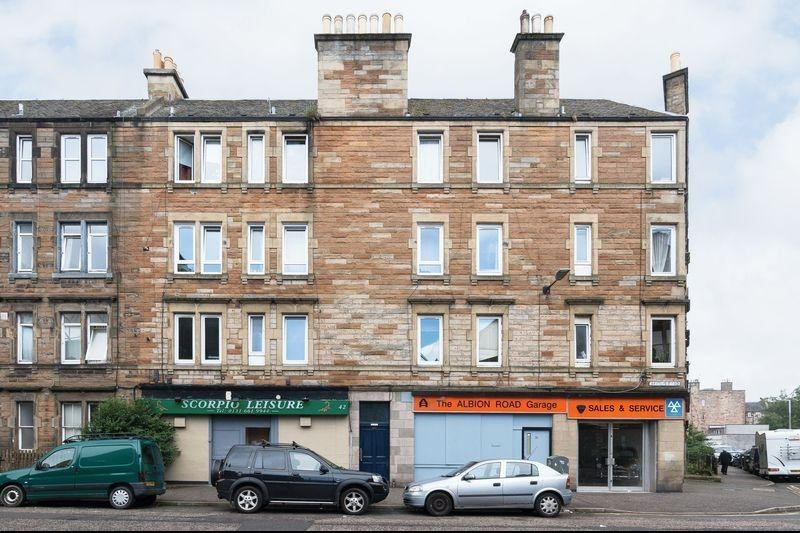 2 Bedrooms Property for sale in 40/7 Albion Road, Edinburgh EH7 5QU