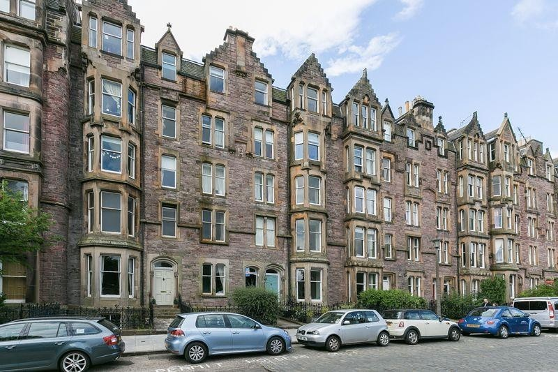 3 Bedrooms Property for sale in 3/8 Warrender Park Terrace, Marchmont, Edinburgh, EH9 1JA