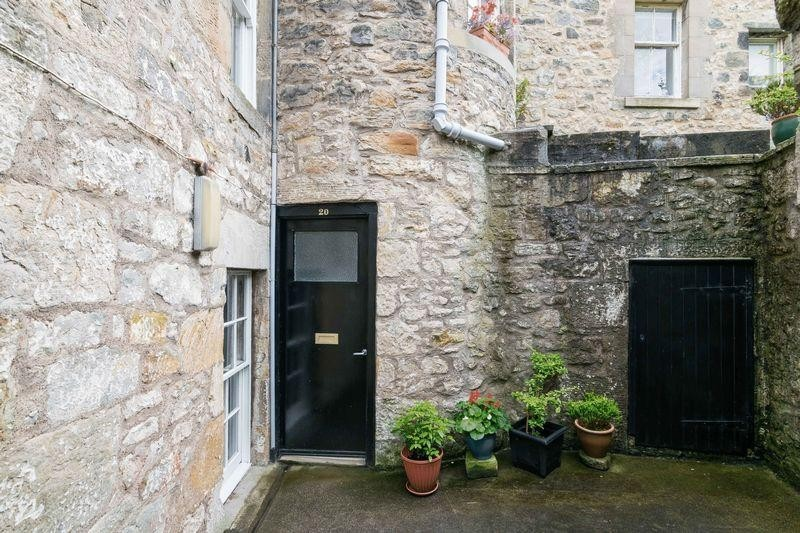 3 Bedrooms Property for sale in 20/1 East Terrace, South Queensferry, Edinburgh EH30 9HS
