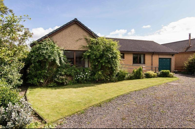 3 Bedrooms Property for sale in 5 St. Mary's Court, St. Boswells, Melrose, Scottish Borders, TD6 0DG