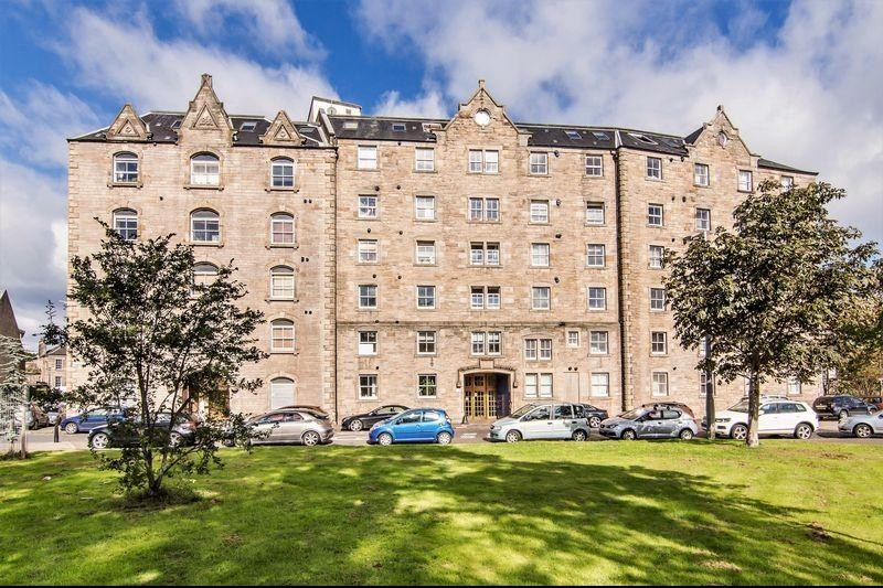 2 Bedrooms Property for sale in 17/13 Johns Place, Leith, Edinburgh, EH6 7EN