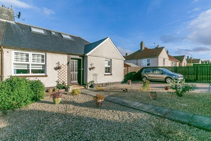 3 Bedrooms Property for sale in 5 North Crescent, Prestonpans, East Lothian, EH32 9PJ