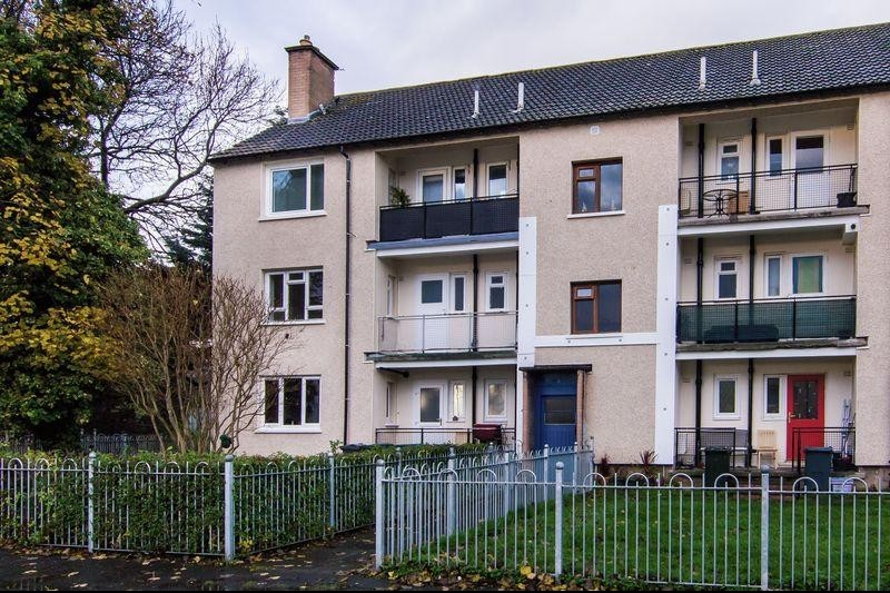3 Bedrooms Property for sale in 5/3 Telford Drive, Craigleith, Edinburgh, EH4 2NW