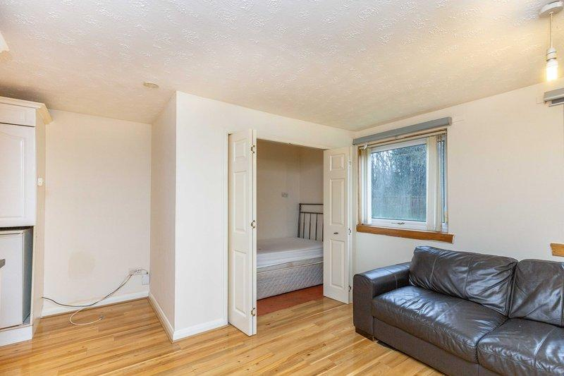 265c Broughton Road Summerston Glasgow G23 5jh House For Sale