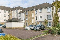 Flat 2, 112 Crown Crescent, Kinnaird Village, Larbert, Falkirk, FK5 4XQ