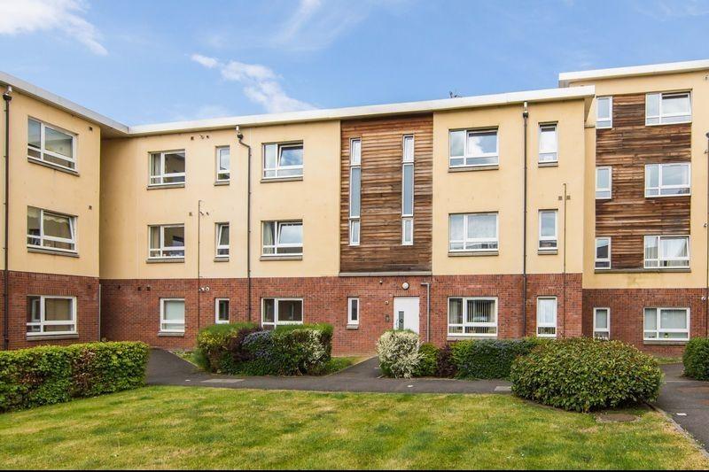 Flat 4, 28 New Mart Place, Chesser, Edinburgh, EH14 1TX